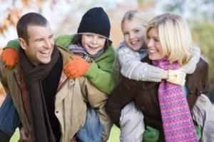 Den efterlevande maken kan få sitta kvar i oskiftat bo om ni använder vårt inbördes testamente för makar med särkullbarn.